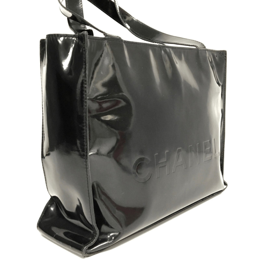 Chanel Black Vintage Vinyl Shopper Bag - Bags