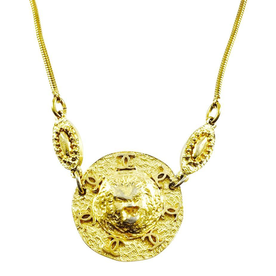 Chanel Vintage Medallion Pendant Necklace Necklaces Chanel