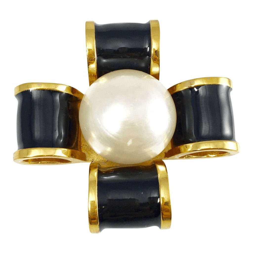 Chanel Vintage Pearl And Black Enamel Brooch - Brooches & Pins