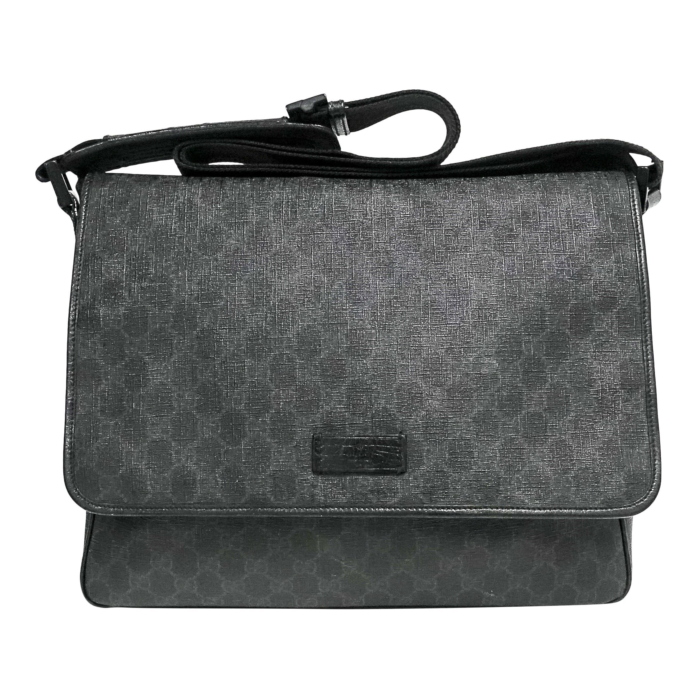 4b22d3e2d5a3 Gucci Black GG Coated Canvas Messenger Bag– Oliver Jewellery