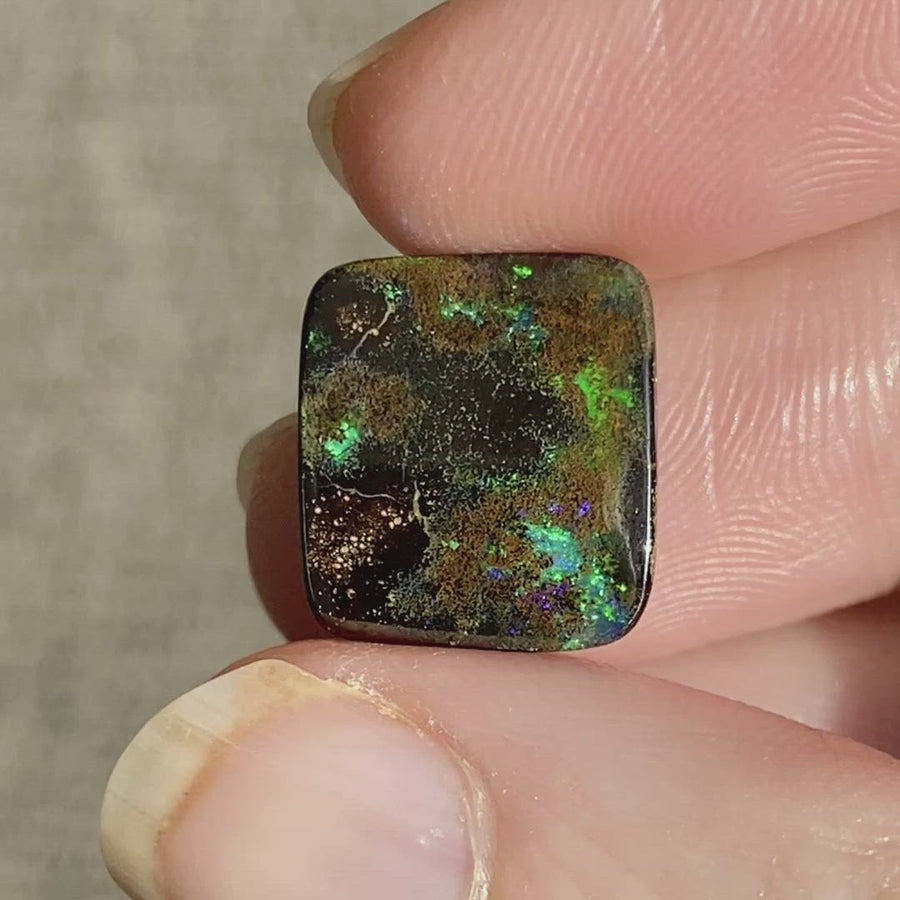 5.77 Ct matrix boulder opal
