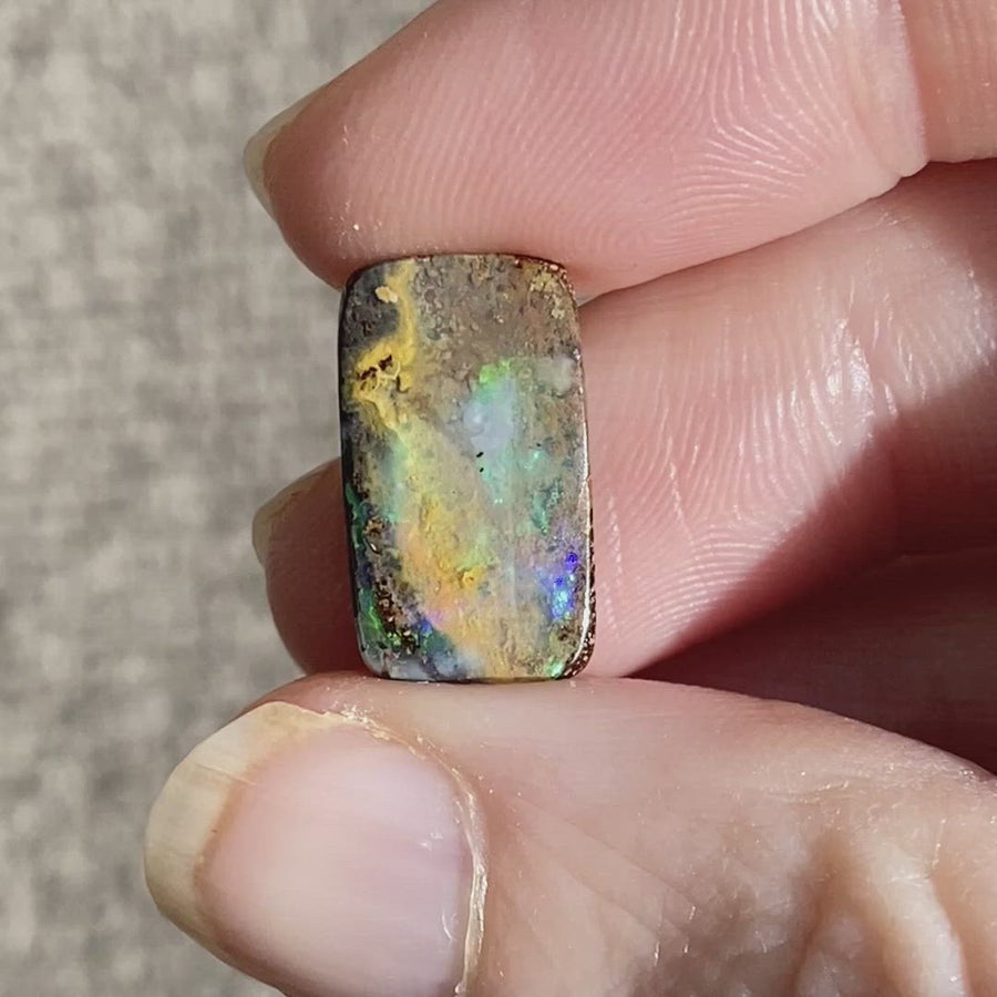 4.87 Ct rectangle boulder opal