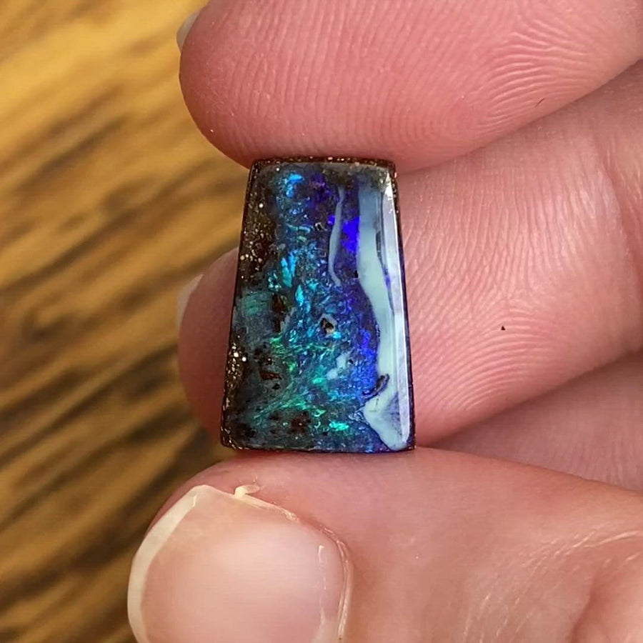 6.24 Ct green-blue boulder opal