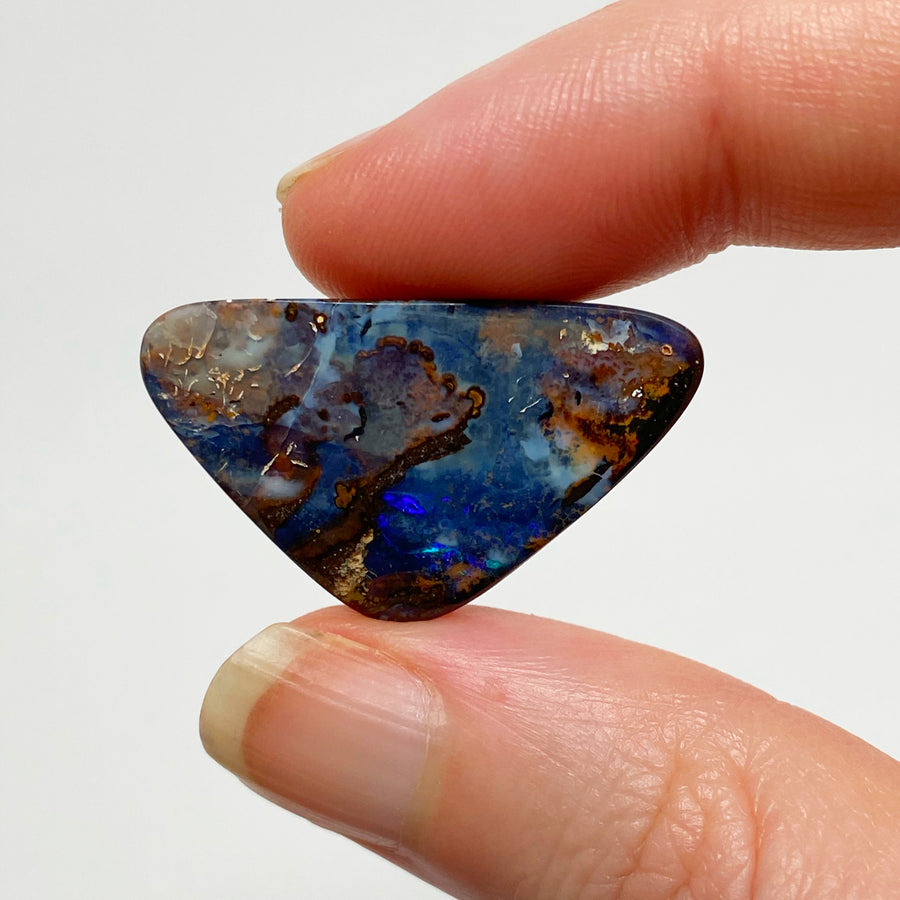 22.72 Ct triangle boulder opal