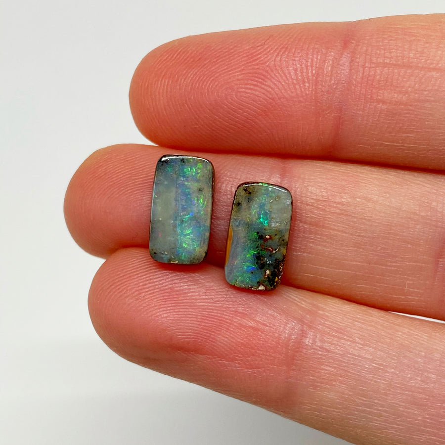 3.67 Ct small boulder opal pair