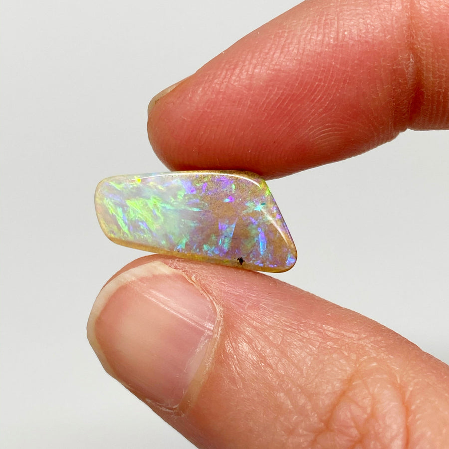 Australian Boulder Opal - 4.35 Ct light purple and green boulder opal - Broken River Mining