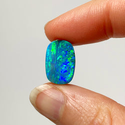 8.60 Ct green-blue boulder opal