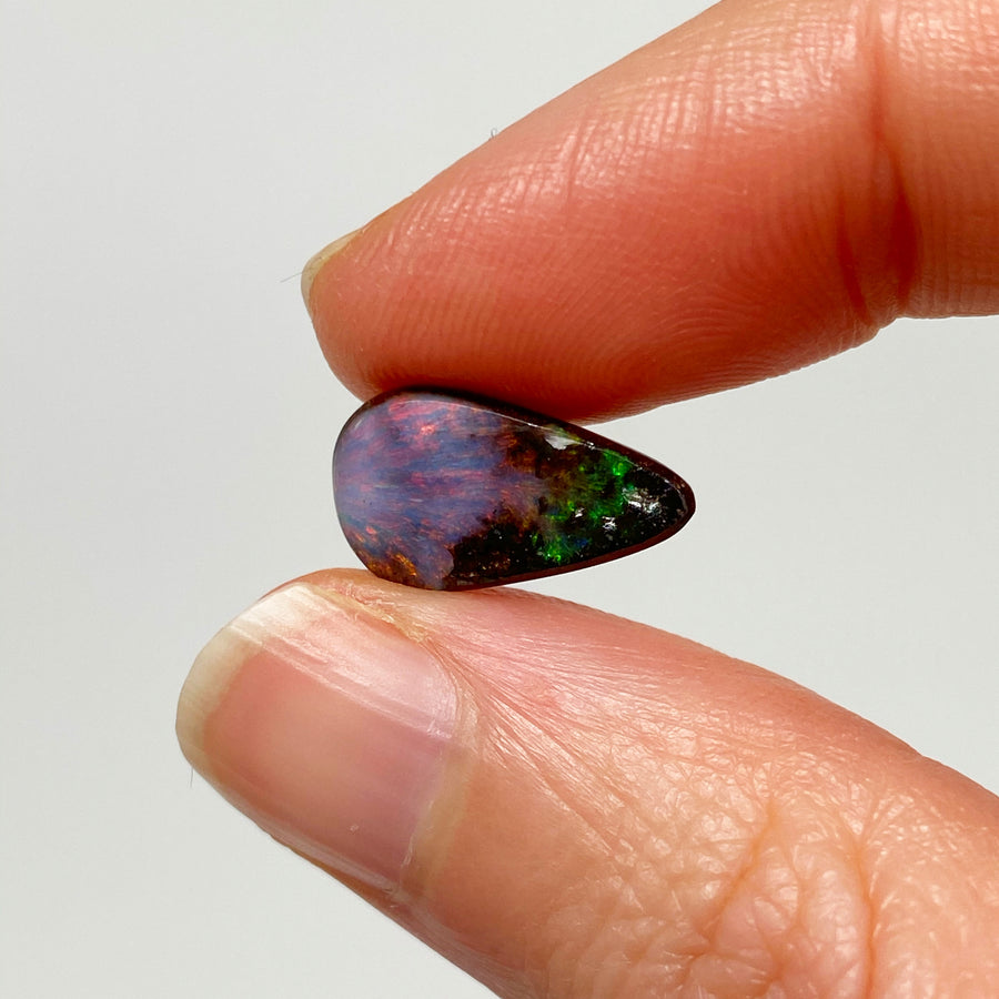 3.76 Ct pink and green boulder opal