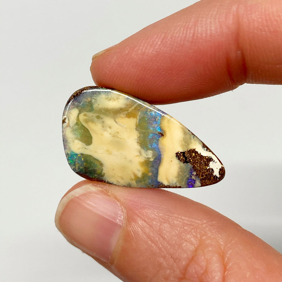 Australian Boulder Opal - 13.56 Ct large white and green-blue boulder opal - Broken River Mining