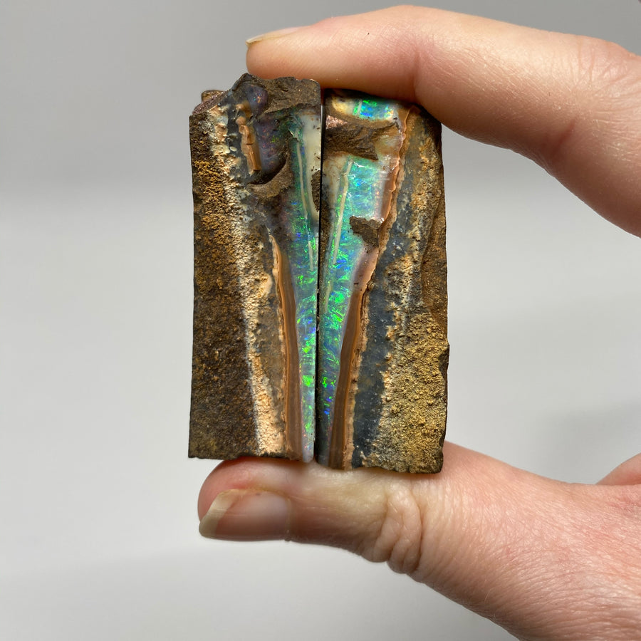 365 Ct raw boulder opal split
