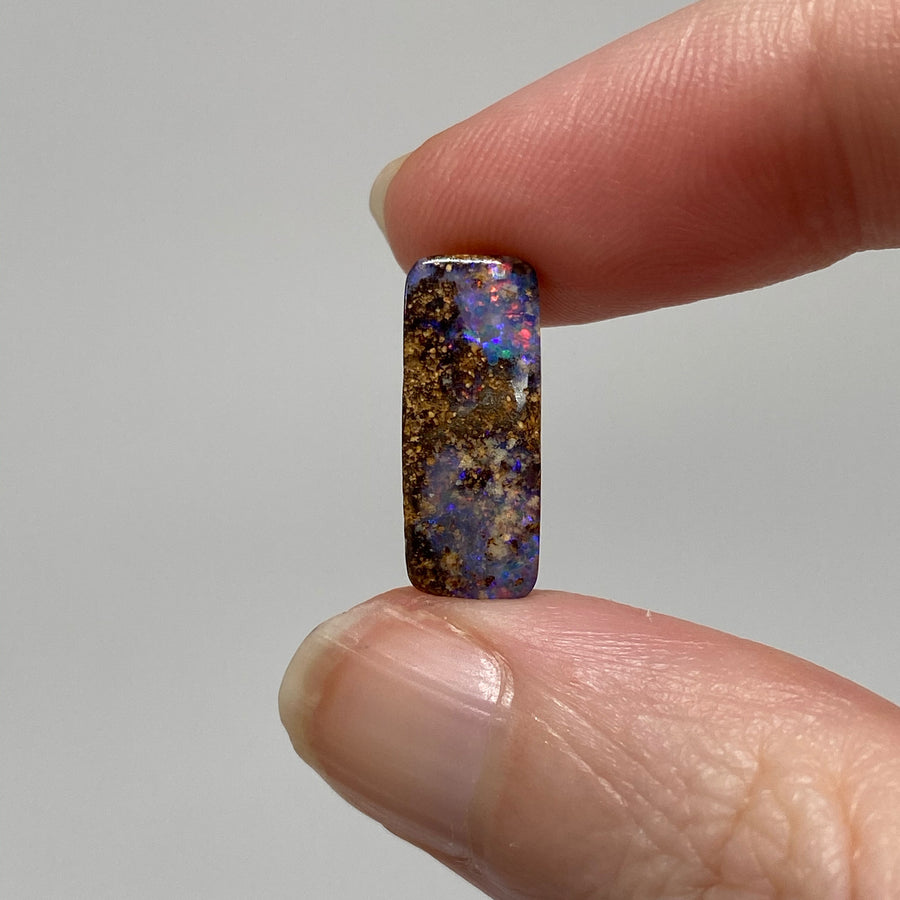 3.81 Ct small boulder opal