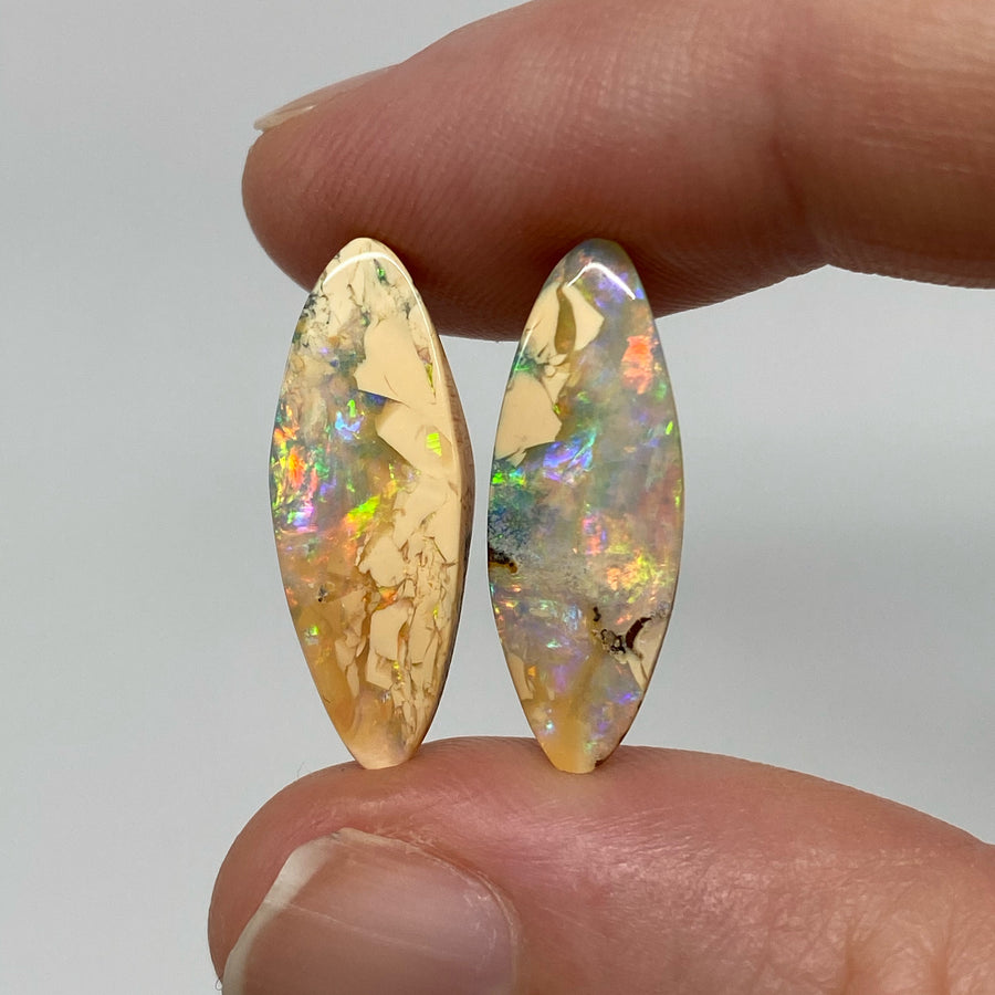 7.07 Ct small boulder opal pair