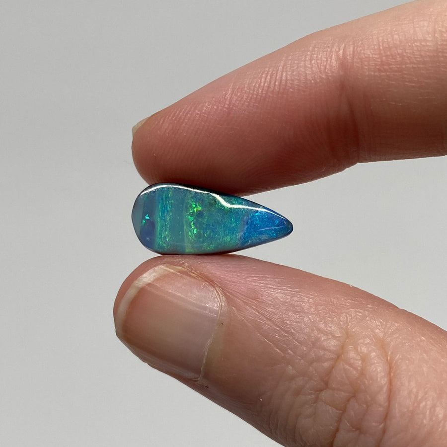 6.71 Ct teardrop boulder opal pair