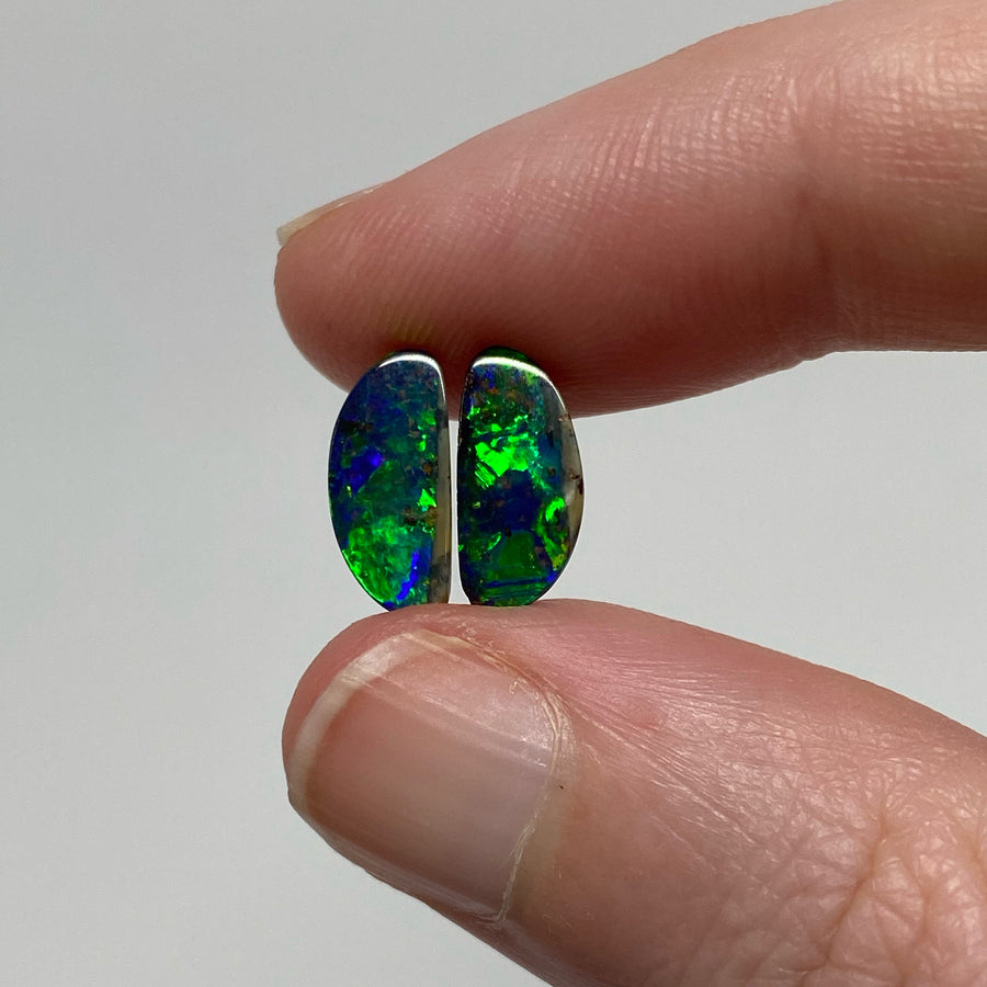 1.87 Ct green-blue boulder opal pair