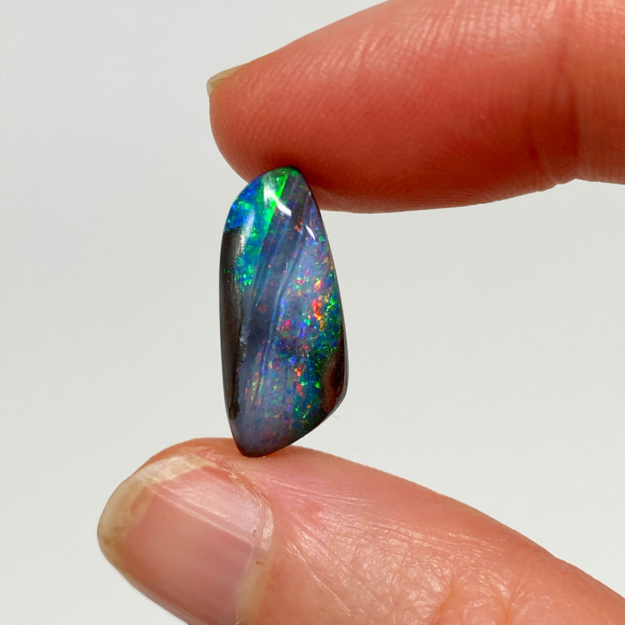 7.37 Ct colourful boulder opal