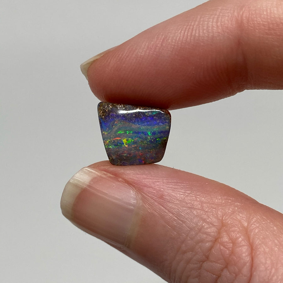 3.26 Ct small boulder opal