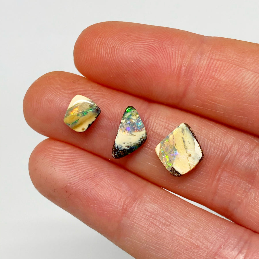 2.92 Ct set of three boulder opals