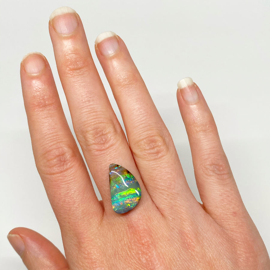 Australian Boulder Opal - 8.51 Ct green 'electric stripe' boulder opal - Broken River Mining