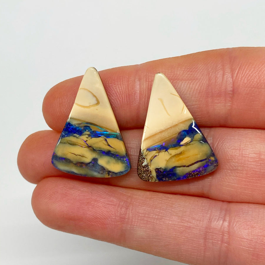 20.53 Ct triangle boulder opal pair