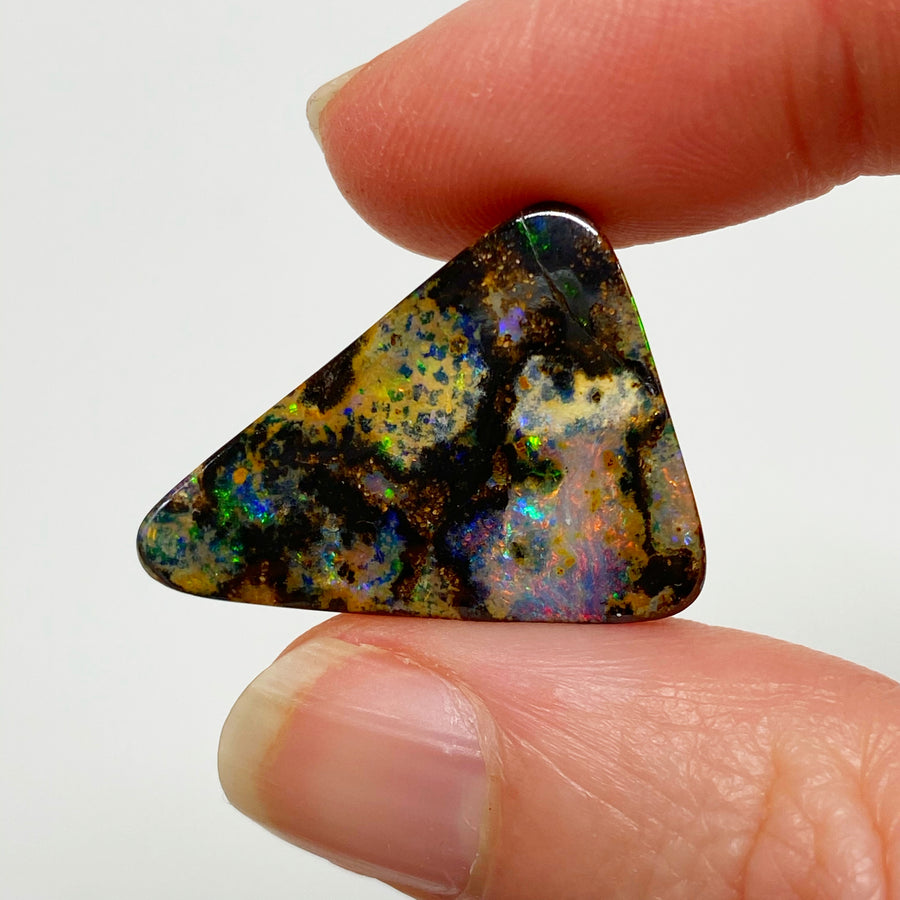 16.61 Ct triangle boulder opal
