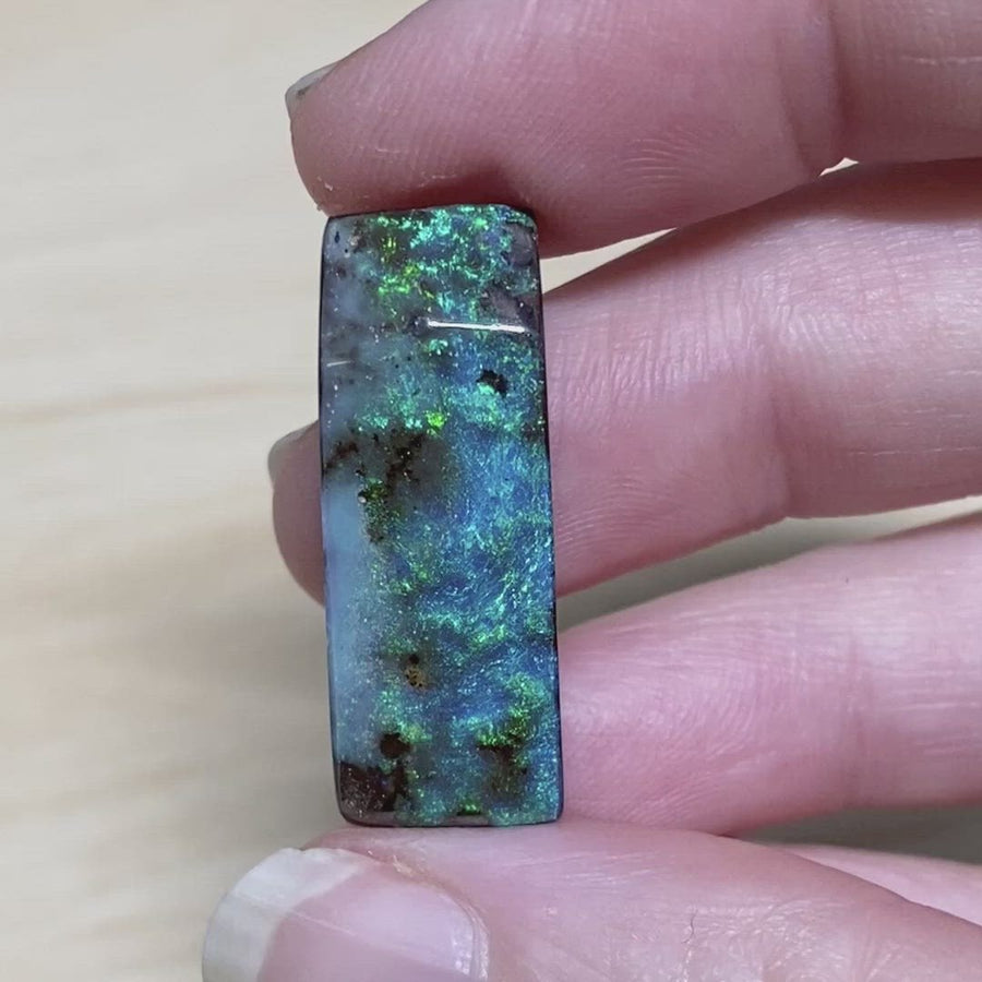 18.53 Ct fiery green-blue boulder opal