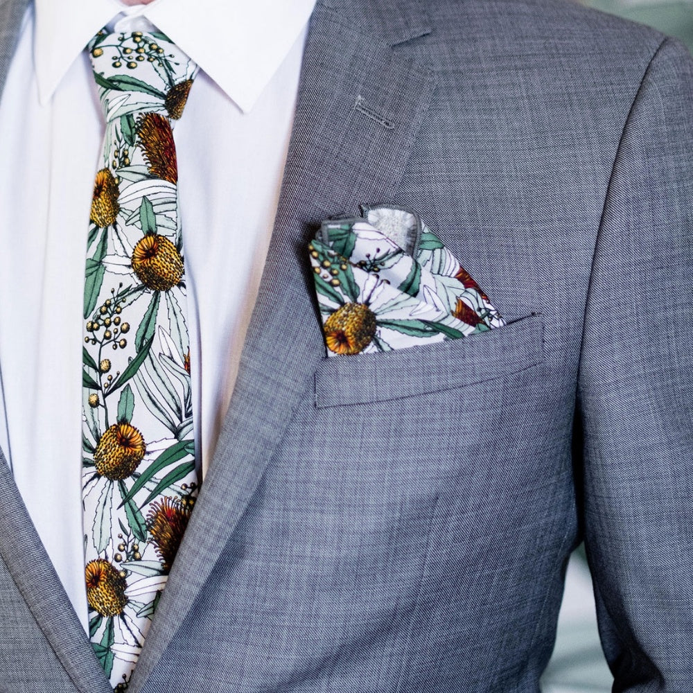 BANKSIA GREY POCKET SQUARE