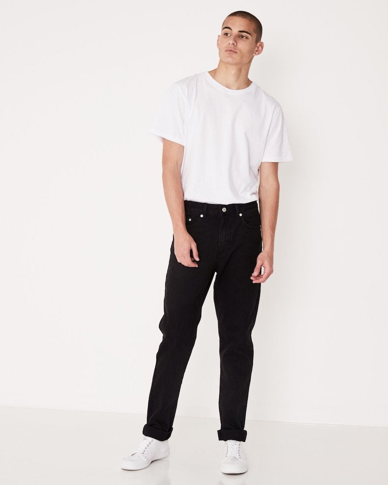 SLIM LEG JEAN WORN BLACK