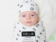 Bamboo-hugs-and-kisses-birth announcement