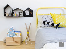 Black-House-Shelves-with-Magnet-house