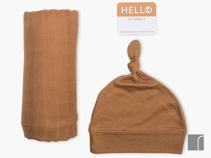 Brown-Blanket-birth-announcement-set
