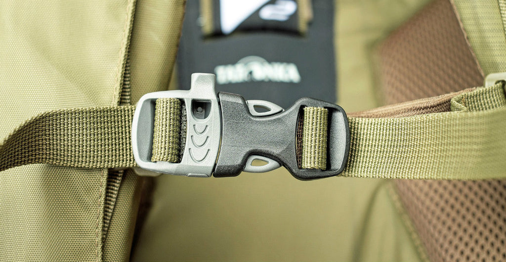 Backpack buckle
