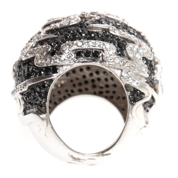 Madam Virtue & Co. Ring