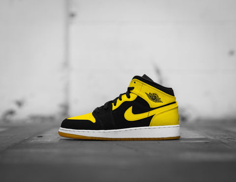 Air Jordan 1 Mid GS 'New Love' 2017