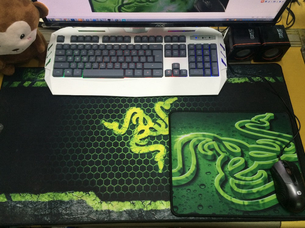 Free shipping Razer mouse pad gaming mouse mat 300*240*3mm locking edge mouse mat speed version