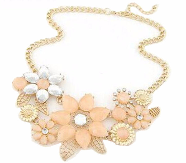 Vintage Jewelry Flower Necklace