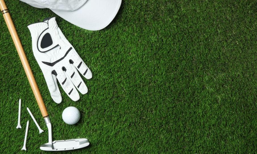 What to Wear and Bring to a Golf Tournament
