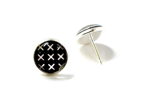 BLACK AND WHITE X's EARRINGS