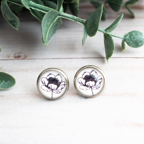 BLACK & WHITE FLOWER EARRINGS