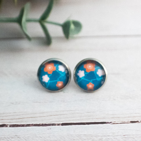 ORANGE AND WHITE FLOWER EARRINGS