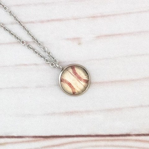 VINTAGE BASEBALL NECKLACE