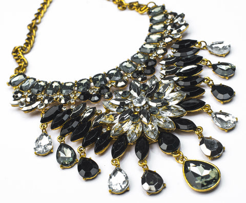 JE250 Outstanding Black and Clear crystal statement Necklace