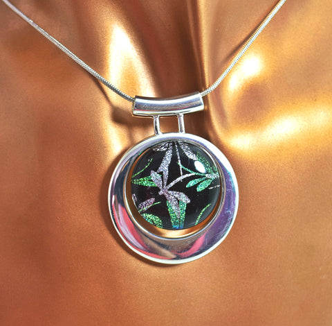 LN3G Eclipse Green Dragonfly Silver plated   Dichroic Glass necklace