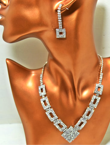 JE234 Geometric Crystal Necklace set