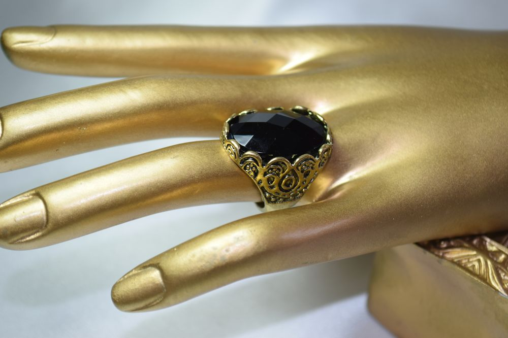 RG28 Retro Black Metal fashion ring