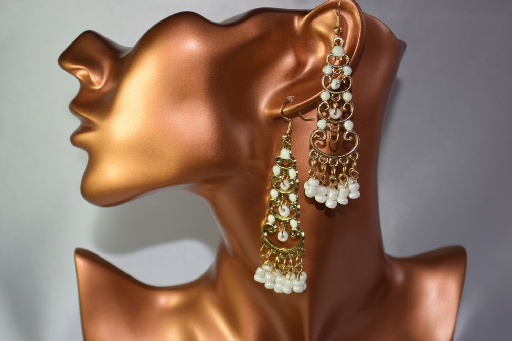 ER52W White beaded gold plated long earrings