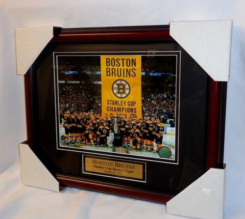 Boston Bruins Garden Banner Raising Nite 2011 Champions Framed Picture 13x16
