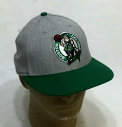 NBA Boston Celtics Flat Brim Hat Cap New Era 59Fifty Mens Size 7 3/4 FREESHIP