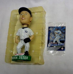 2001 Donruss Derek Jeter New York Yankees Limited Bobblehead & Sealed Foil Card