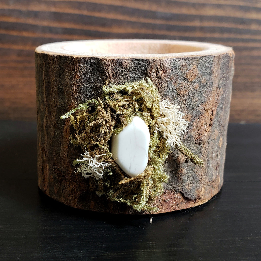 Howlite Yule Log Tealight Holder