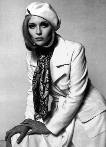 SQUARE KNOT Faye Dunaway